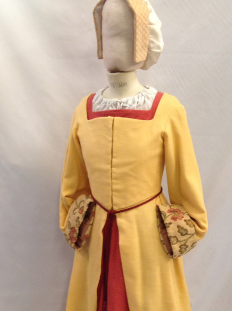 Y Llys Tudor girl costume